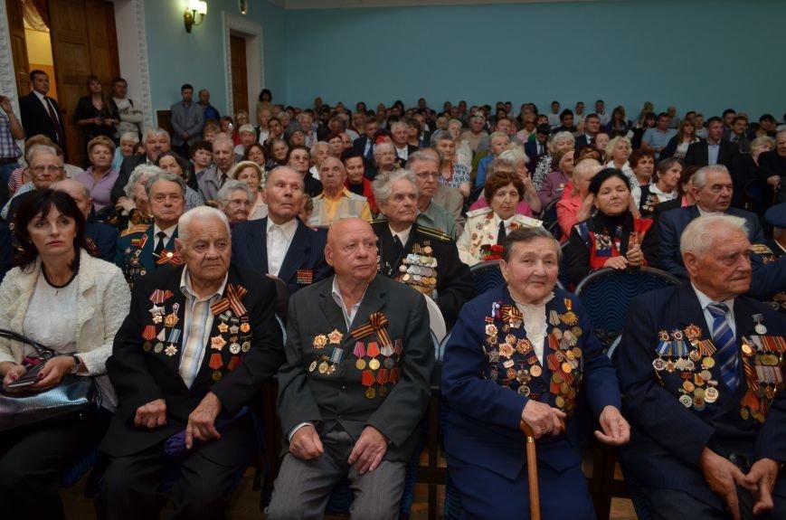 Аксенов пообещал сделать все возможное, чтобы крымским ветеранам жилось комфортно (ФОТО), фото-15