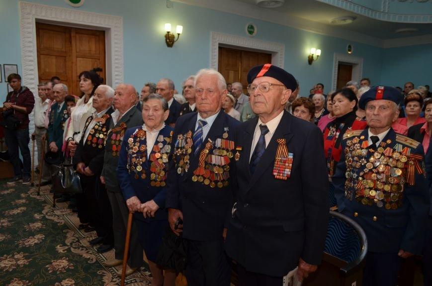 Аксенов пообещал сделать все возможное, чтобы крымским ветеранам жилось комфортно (ФОТО), фото-3