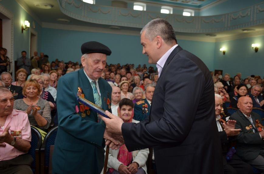 Аксенов пообещал сделать все возможное, чтобы крымским ветеранам жилось комфортно (ФОТО), фото-8