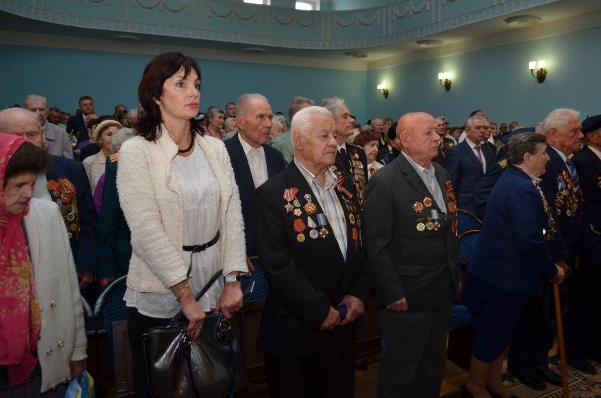 Аксенов пообещал сделать все возможное, чтобы крымским ветеранам жилось комфортно (ФОТО), фото-1