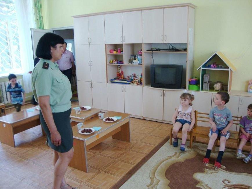 Крымские наркополицейские взяли шефство над детским домом (ФОТО) (фото) - фото 1