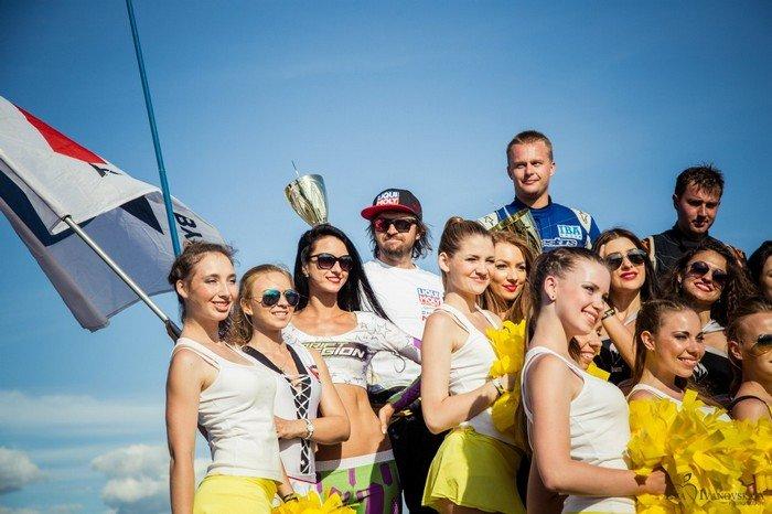 Фоторепортаж с дрифтинга в Гродно: 3 тысячи зрителей, 400 сожженных покрышек и третье место Дмитрия Нагулы (фото) - фото 19