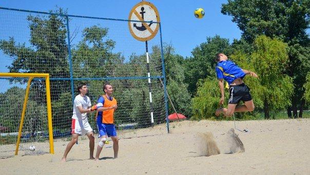 На Воронцовском пляже состоялся турнир по пляжному футболу (фото) - фото 1