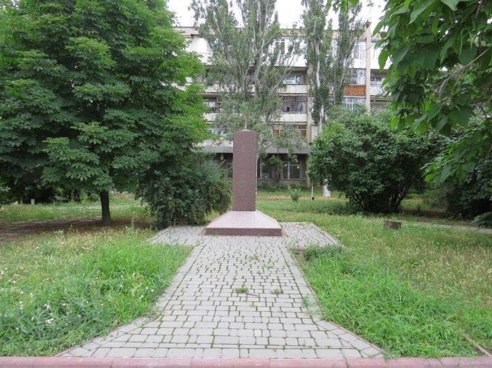 В Мелитополе законно «снесли» еще четыре коммунистических памятника (ФОТО), фото-2