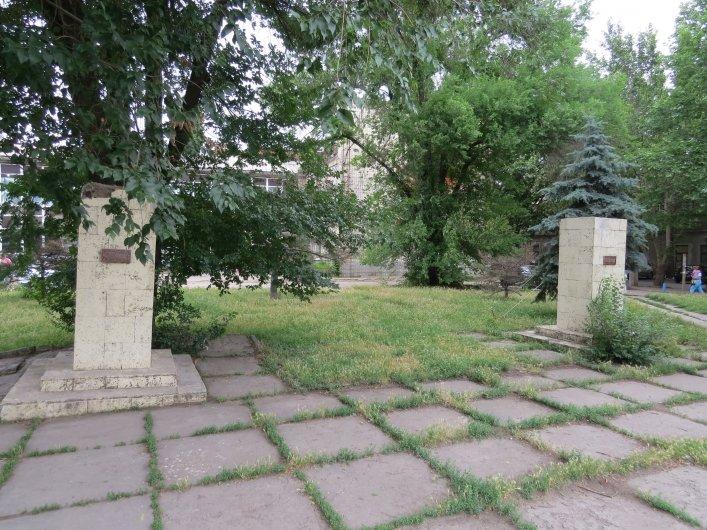 В Мелитополе законно «снесли» еще четыре коммунистических памятника (ФОТО), фото-1