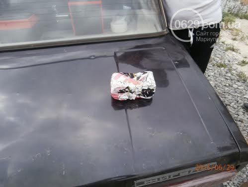 Под Мариуполем задержали водителя, который пытался провезти 55 тысяч долларов на территорию «ДНР» (фото) - фото 2