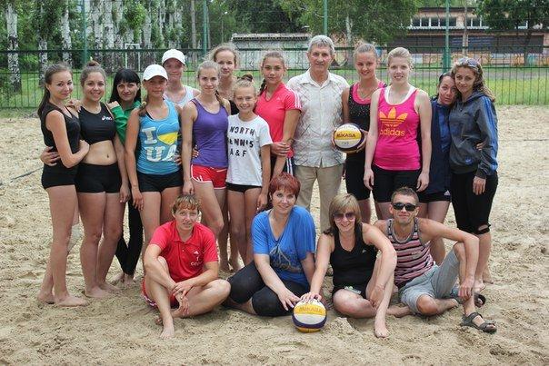 Родинские  волейболистки  выиграли  турнир по пляжному волейболу в Димитрове (фото) - фото 3