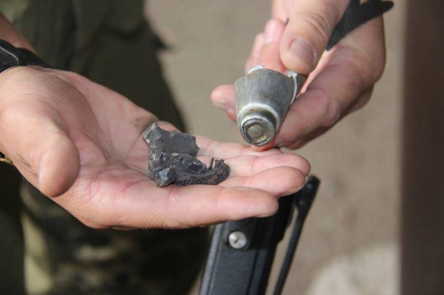Последствия обстрела «Градами» боевиками «ЛНР» в Луганской области зафиксировали в ОБСЕ (ФОТО), фото-11
