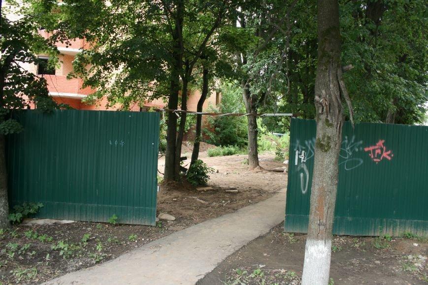 В Троицке недостроенные многоэтажки, расположенные на улице Текстильщиков- стали одним из самых опасных мест города! (ФОТО, ВИДЕО), фото-2