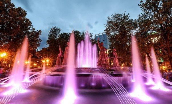 В Уфе открылся музыкальный фонтан «Семь девушек» (фото) - фото 1