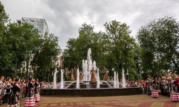 В Уфе открылся музыкальный фонтан «Семь девушек» (фото) - фото 4