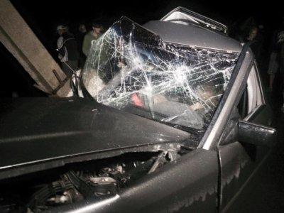 На Прикарпатті «Mercedes» в'їхав у електроопору (ФОТО) (фото) - фото 2
