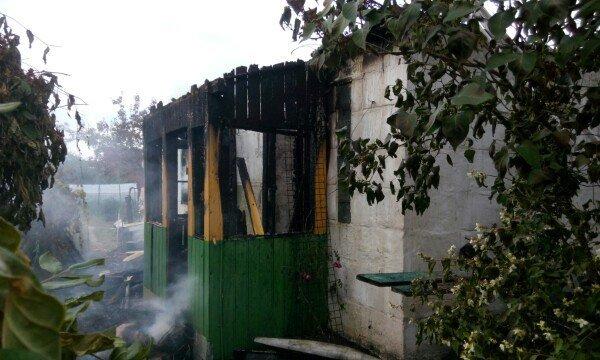 В Гродненском районе женщина выпрыгнула из окна второго этажа спасаясь от пожара (фото) - фото 2