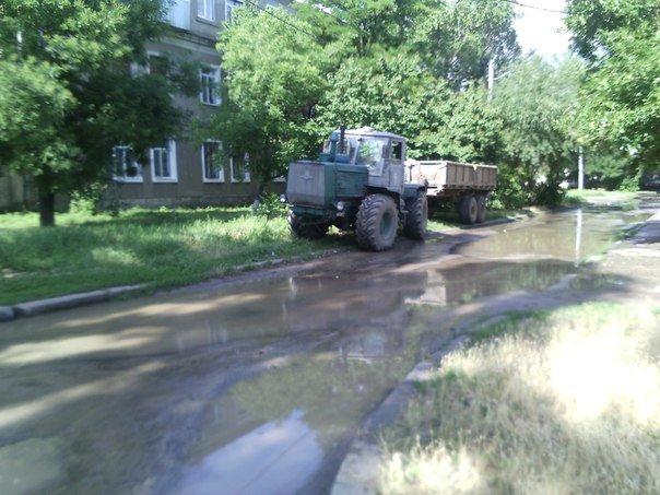 В Николаеве люди с ведрами выстроились в очередь за водой (ФОТОРЕПОРТАЖ) (фото) - фото 12
