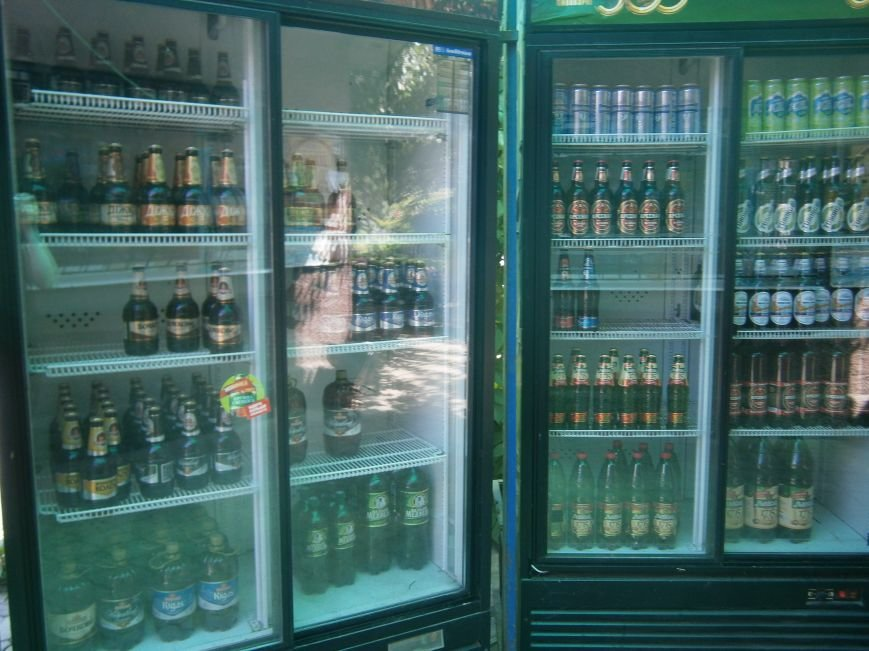 С 1 июля запрещена продажа пива в киосках, однако в Красноармейске и Димитрове этот запрет проигнорирован (фото) - фото 11