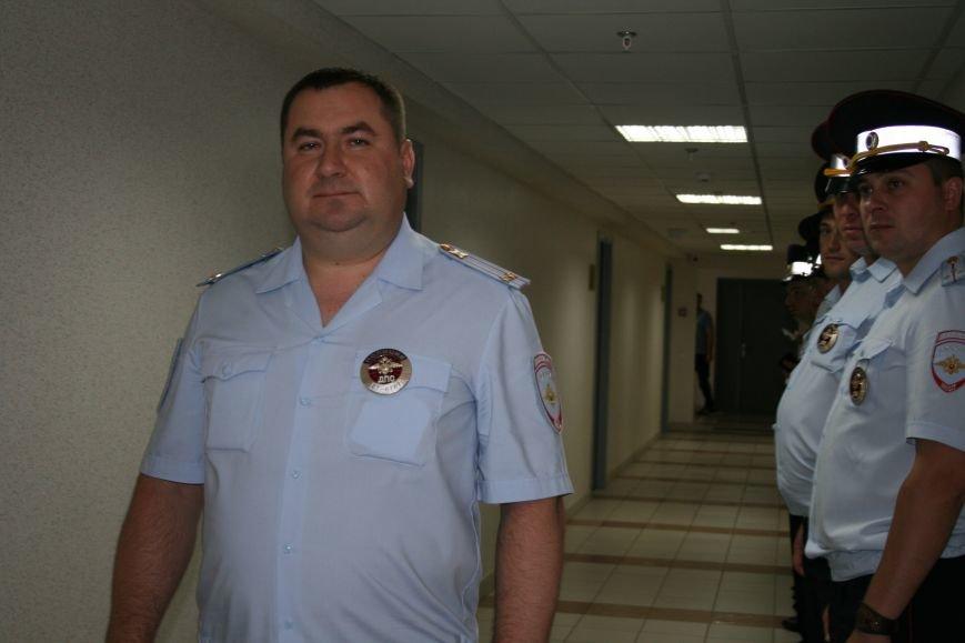 В Новой Москве в Троицке сотрудники ОБ ДПС ГИБДД по ТиНАО сдали свою кровь для пострадавших в ДТП, фото-3