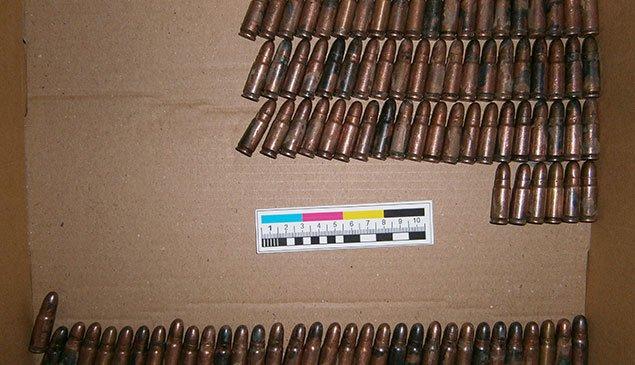Тернополянина, який намагався продати зброю, затримала СБУ (ФОТО) (фото) - фото 1