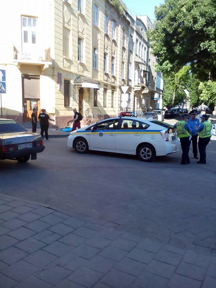 Правоохоронці розшукують очевидців аварії на вулиці Джерельній (фото) - фото 2