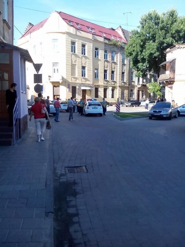 Правоохоронці розшукують очевидців аварії на вулиці Джерельній (фото) - фото 1
