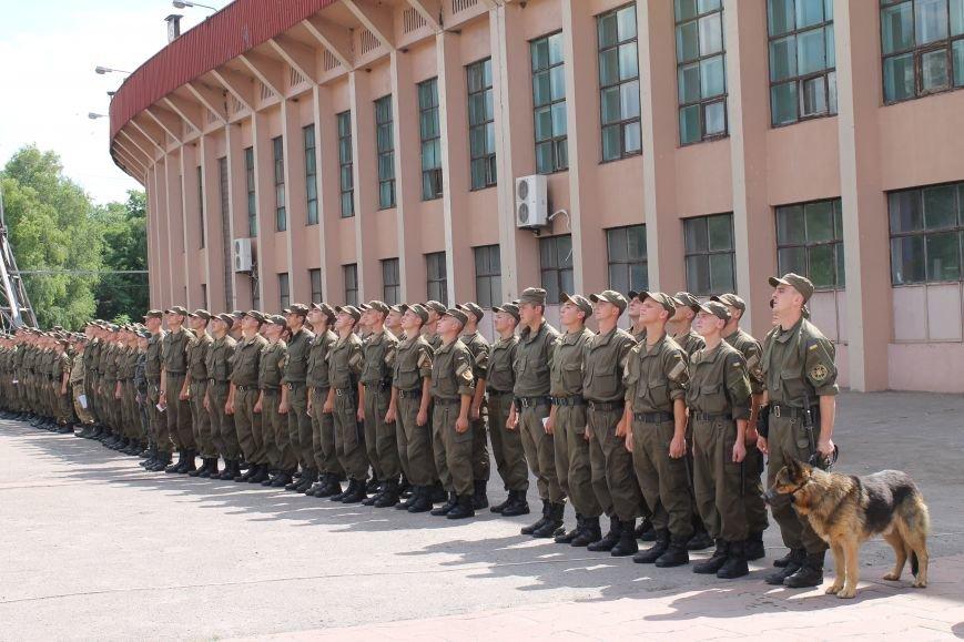 За охраной общественного порядка в Кривом Роге дополнительно будет следить еще 100 военнослужащих (ФОТО, ВИДЕО), фото-8