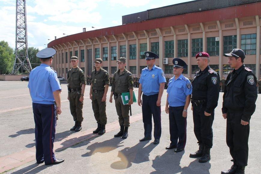 За охраной общественного порядка в Кривом Роге дополнительно будет следить еще 100 военнослужащих (ФОТО, ВИДЕО), фото-10