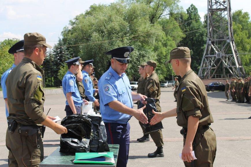 За охраной общественного порядка в Кривом Роге дополнительно будет следить еще 100 военнослужащих (ФОТО, ВИДЕО), фото-6