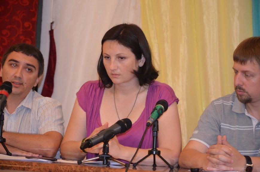 Мариупольские общественники требуют от Хотлубея наложить вето на 23 бюджетных миллиона, фото-4
