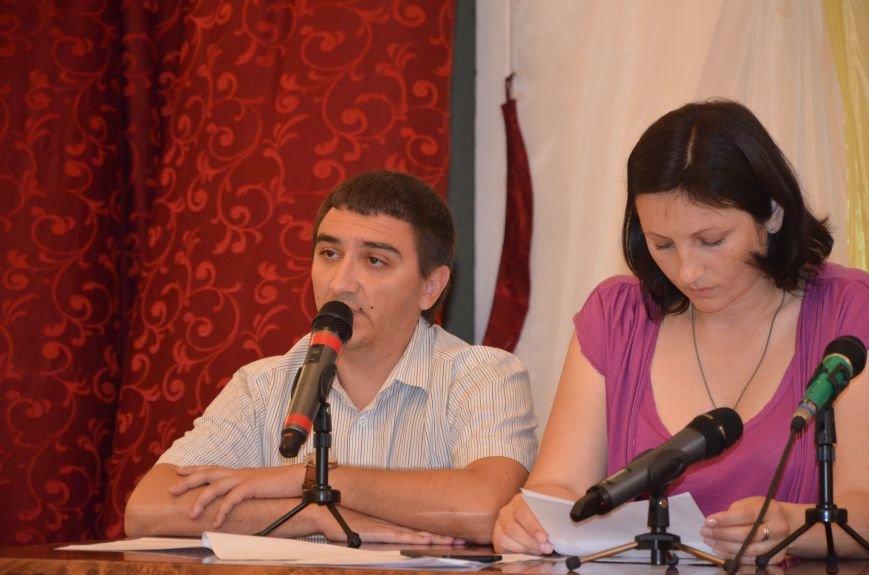 Мариупольские общественники требуют от Хотлубея наложить вето на 23 бюджетных миллиона, фото-5