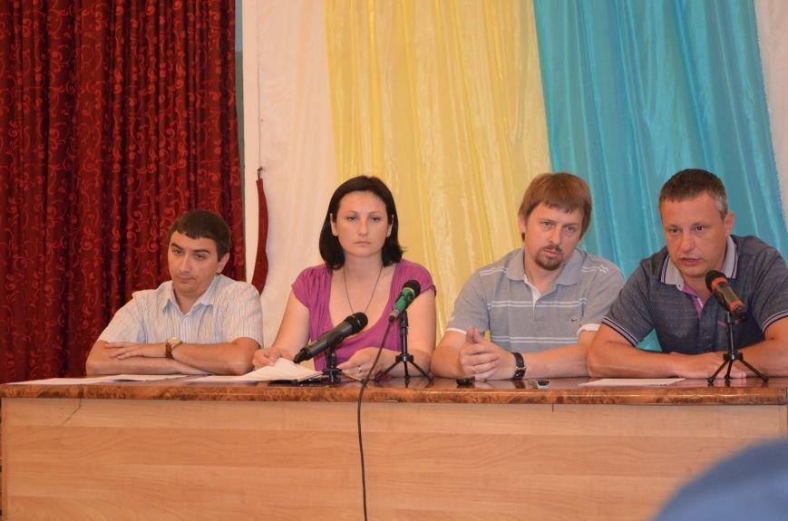 Мариупольские общественники требуют от Хотлубея наложить вето на 23 бюджетных миллиона, фото-2