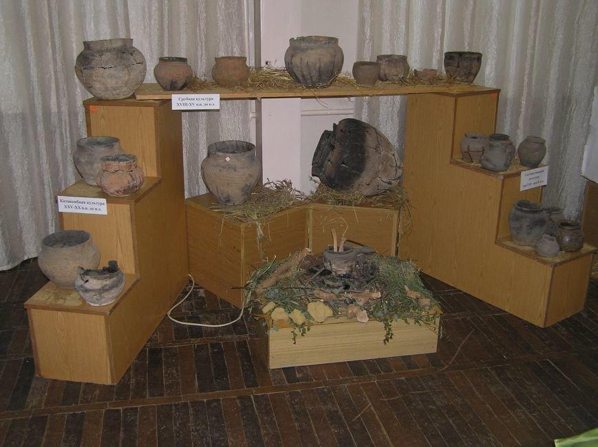 Артемовский краеведческий музей радует горожан новыми выставками (фото) - фото 3