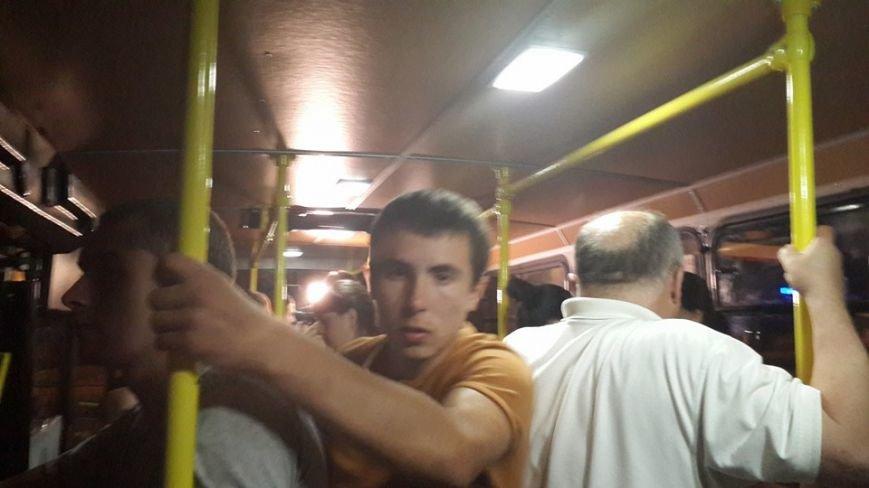 У Львові запрацювали нічні автобуси. Як це було? (ФОТО) (фото) - фото 2