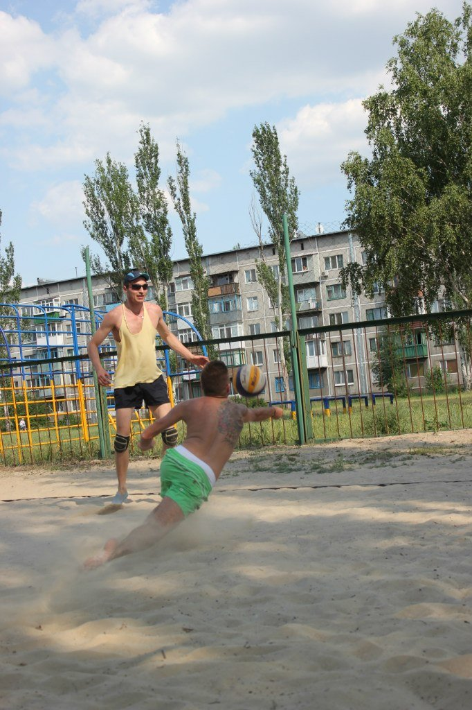 Турнир по пляжному волейболу в Димитрове прошел весело и интересно (фото) - фото 5