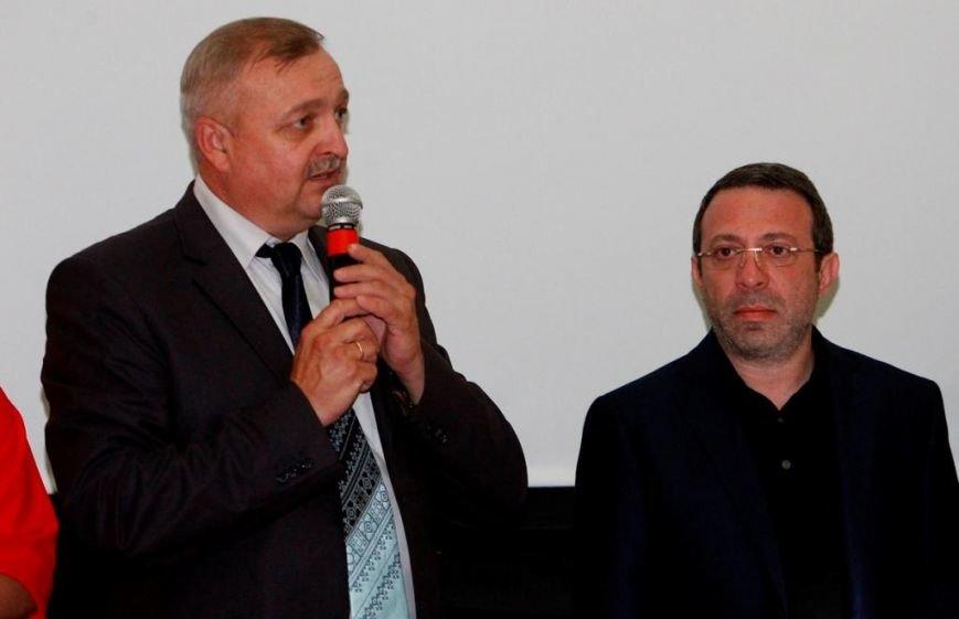 Геннадій Корбан привітав театралів із закриттям 89-го сезону (фото) - фото 1