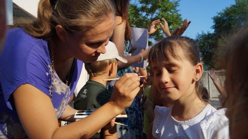 В Бердянске прошел праздник для детей из зоны АТО (фото) - фото 1