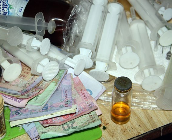 В Кременчуці місцевий мешканець вдома влаштував нарколабораторію (фото) - фото 3