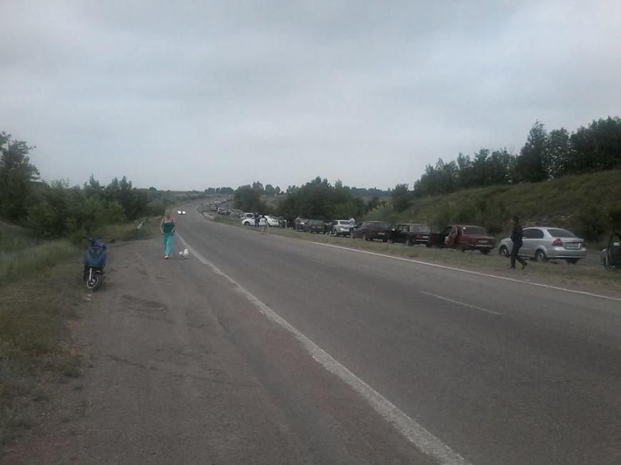 Среднее время стояния в очереди, чтобы покинуть пределы «ДНР», - 9 часов (ФОТО), фото-1