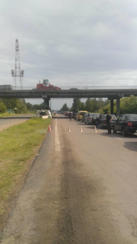 Среднее время стояния в очереди, чтобы покинуть пределы «ДНР», - 9 часов (ФОТО), фото-3