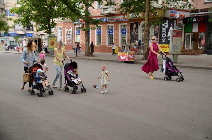 В Николаеве лихач припарковался посреди пешеходной улицы (ФОТО) (фото) - фото 3