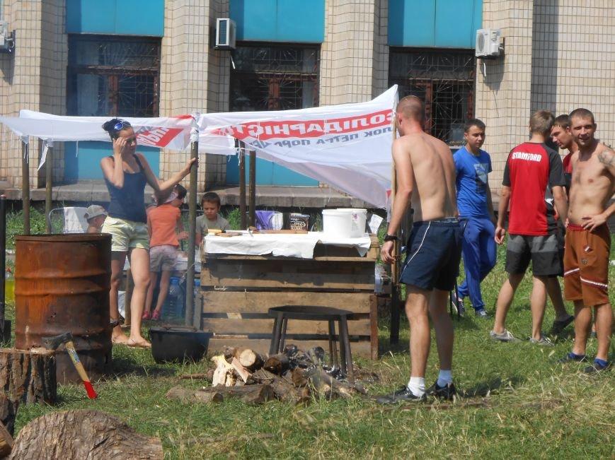 На митинге возле горсовета Днепродзержинска не обошлось без происшествий (фото) - фото 7