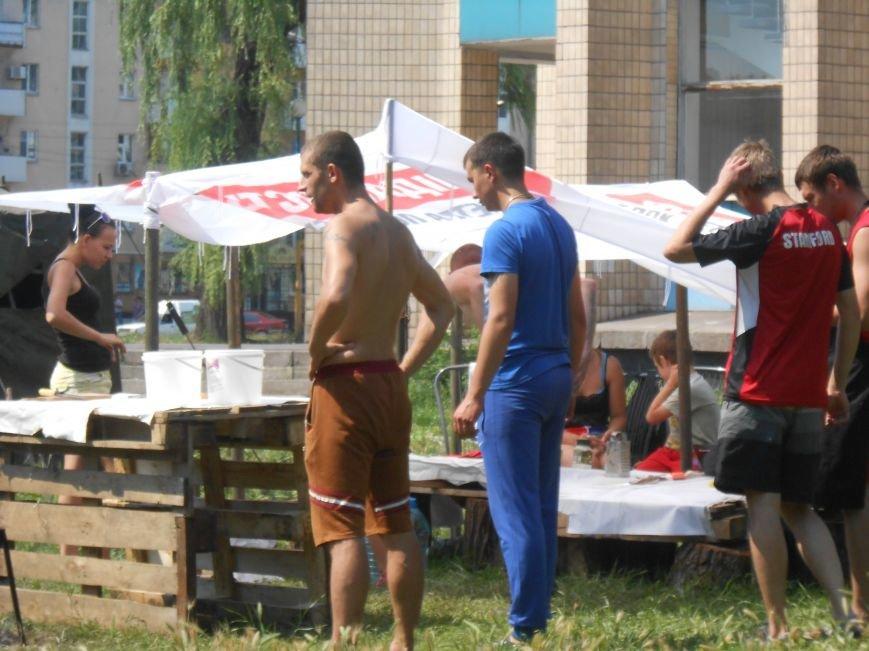 На митинге возле горсовета Днепродзержинска не обошлось без происшествий (фото) - фото 8
