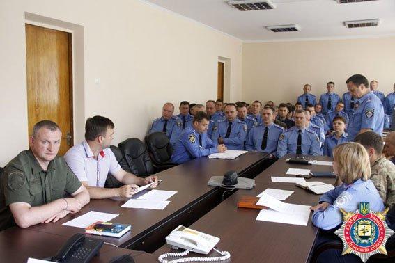 Красноармейская милиция нуждается в участковых инспекторах и инспекторах патрульной службы (фото) - фото 1