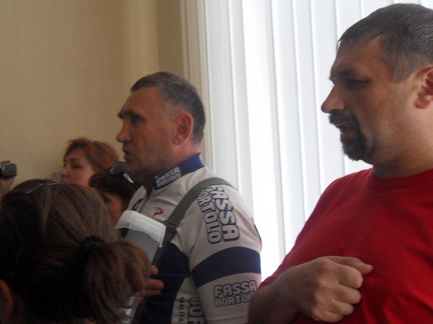 Кернес у Полтаві: «Я не хочу брати участь у цьому фальсифікованому процесі» (фото) - фото 1