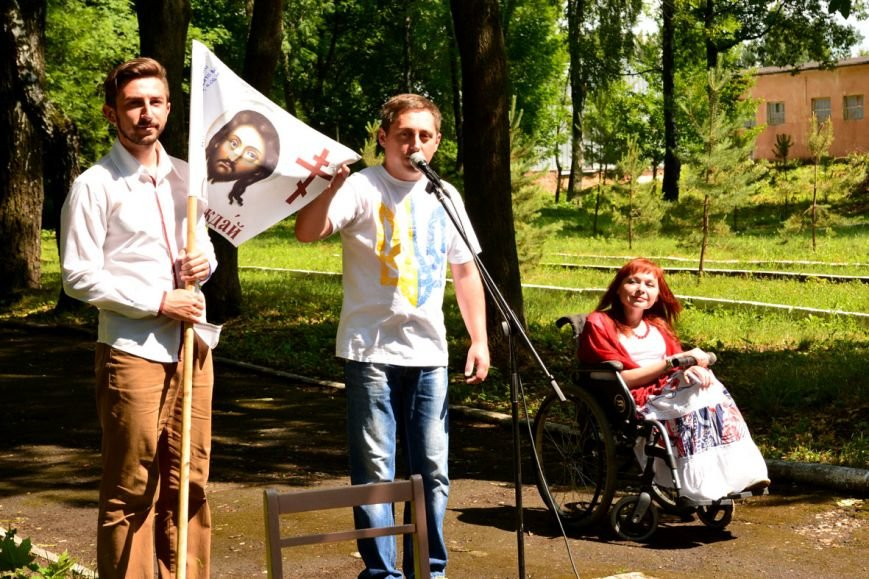 Для бійців Хмельницького війського шпиталю влаштували концерт (ФОТО) (фото) - фото 1