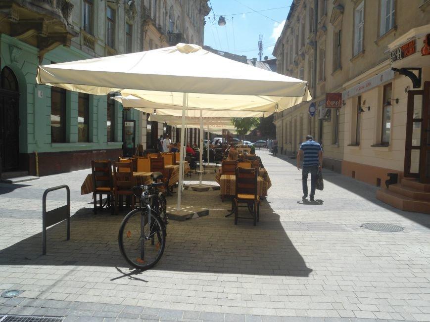 Чи стала вулиця Леся Курбаса пішохідною? (ФОТО) (фото) - фото 1
