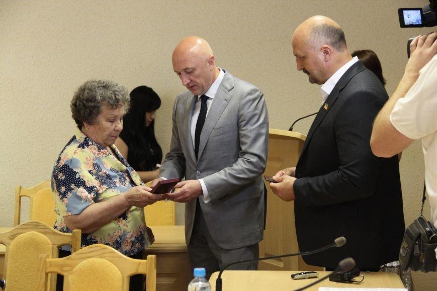Валерій Головко вручив нагороду мамі Дмитра Гречка