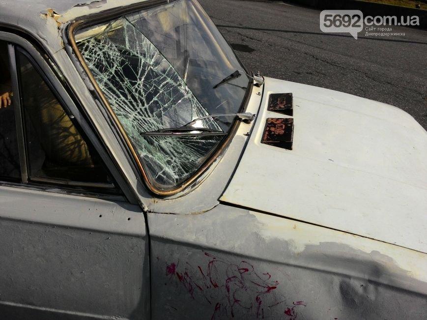 В Днепродзержинске на новом мосту сбили велосипедиста: пострадавшего забрала «скорая» (фото) - фото 5