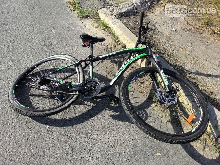 В Днепродзержинске на новом мосту сбили велосипедиста: пострадавшего забрала «скорая» (фото) - фото 2