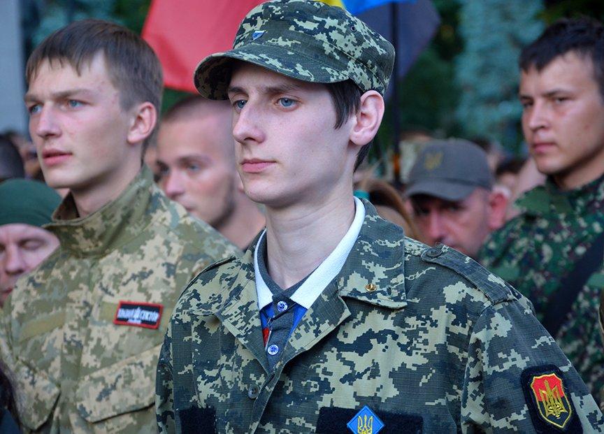 В Киеве добровольцы требовали объявить России войну (ФОТОРЕПОРТАЖ) (фото) - фото 3