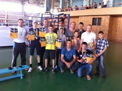 Год АТО: как Украина благодарит военных за героизм и отвагу (ФОТО + ВИДЕО) (фото) - фото 4