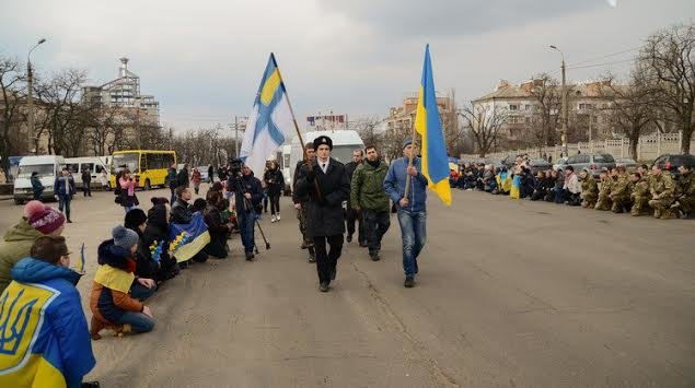 Год АТО: как Украина благодарит военных за героизм и отвагу (ФОТО + ВИДЕО) (фото) - фото 3